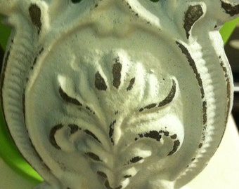Wall Hanger / Hook / Wall Hanger / Shabby Chic Hanger / HarDWAre IS inCLUded