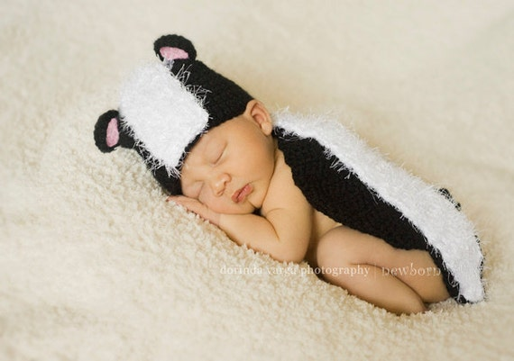 Instant Download Crochet Pattern - No 29 Lil' Stinker Skunk - Cuddle Critter Cape - Newborn photography prop