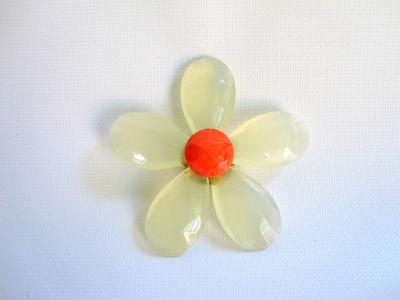 Vintgage Flower Brooch White and Orange - Groovy Retro and Mod