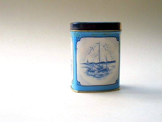 Candy Tin Blue and White - Roomboter Babbelaars - Made in Holland