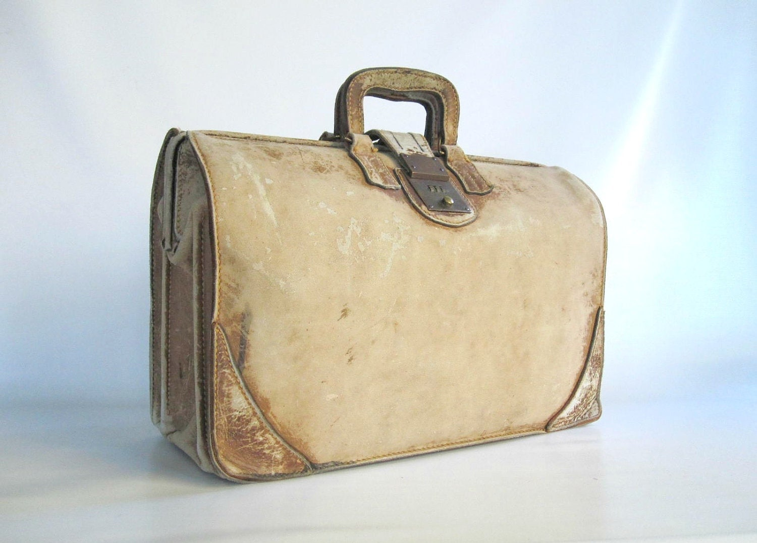 leather satchel lawyer doctor bag suitcase shabby chic