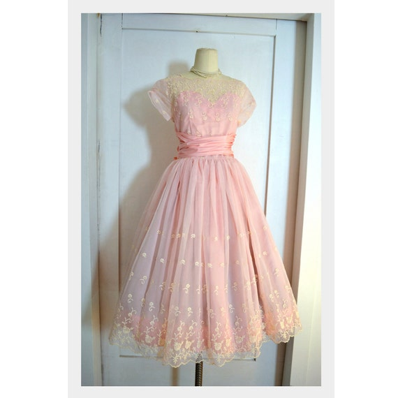 VINTAGE Prom Dress // 1950's Pink Party Gown with White Embroidered Flowers // Large Pink Bow, Sz Sm