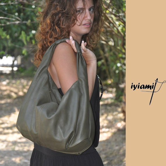Hobo bag in  Italian soft leather, named Daria . MADE TO ORDER