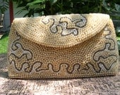On Sale /// Vintage Small Faux Pearl Beaded Purse