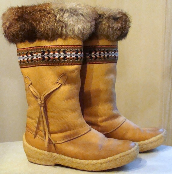 Vintage mukluk boots made in Canada size 6