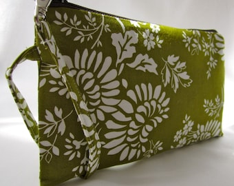 Zippered Wristlet Purse- Green Floral