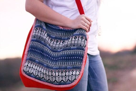 Vintage 1970s  Tote Purse Bag - 100% Cotton - Bohemian Southwestern Native Ethnic Tribal Folk- Blue Red White