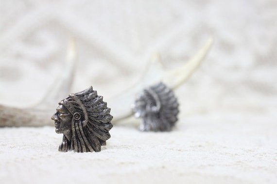 V i n t a g e - 1960s Earrings - Womens Large - Chief Indian Feather Headress - Silver Clip-On Earrings - Boho Native Jewelry