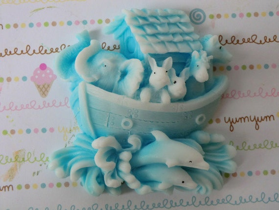 15 Noah's Ark baby shower soap favor - baby boy shower, baby girl shower, twins shower, baby sprinkle