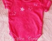 batik stars onesie 3-6 months pink