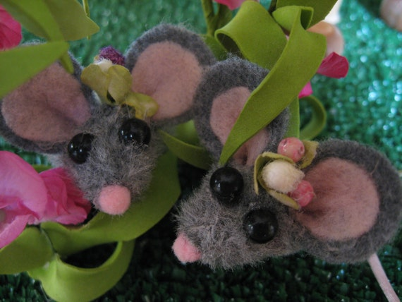 Mouse Finger Puppets Garden Playset