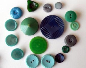 Green  Buttons -  Assortment of 17