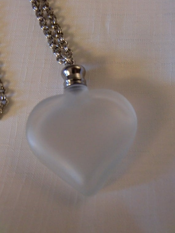 Vintage PERFUME PENDANT Frosted Glass Heart on Long Silver Link Chain (FREE Filler)