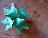 3-d green paper star