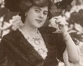 Cheers Vintage Photo, digital download