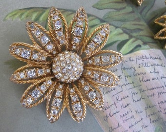 Signed HATTIE CARNEGIE Rhinestone Daisy Flower Brooch & Earrings Set