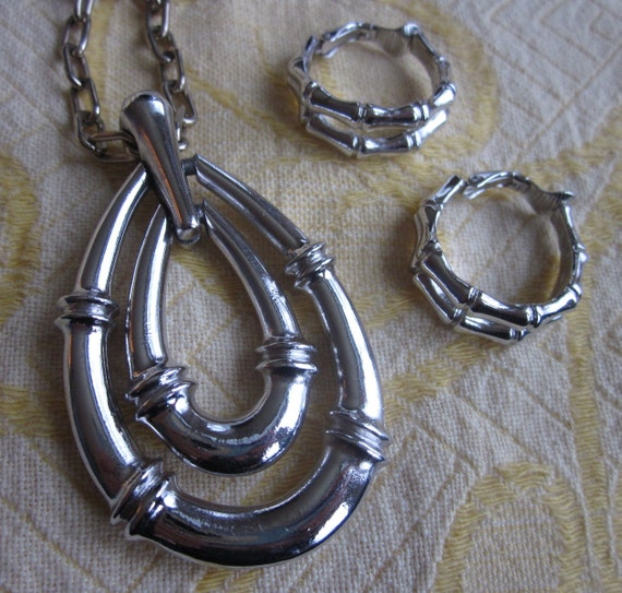 1960s Retro TRIFARI Silver Bamboo Pendant & Earrings Set