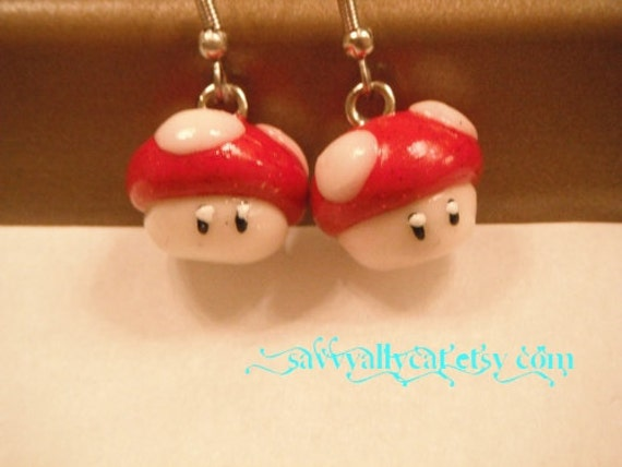 SALE - Super Mario Bros Grow Mushroom Earrings - classic Mario - by Narwhal Dreams on Etsy