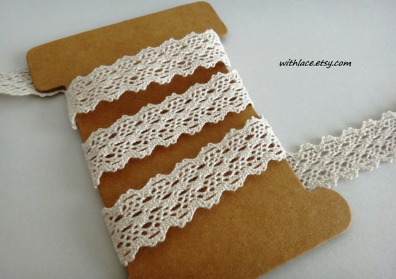 ON SALE---4 yds pale tan crochet lace---5/8''