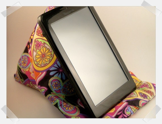 Nook or Kindle eReader Pillow/Stand
