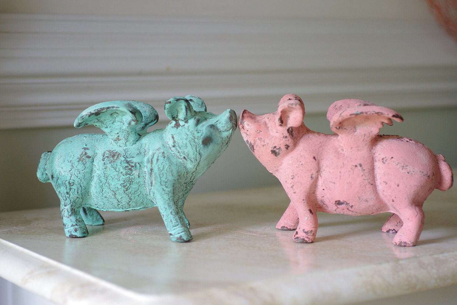 Home decor cast iron flying pig pink pig for Pig decorations for home