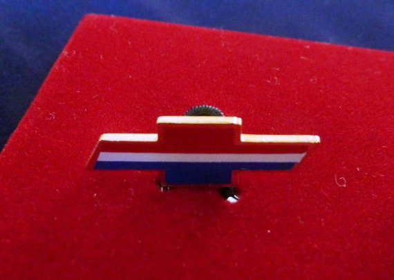 Vintage Chevrolet Bow Tie Cufflinks from GM 1970s Collectibles