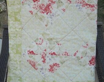 Red hydrangea quilt