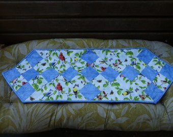 Blue birds table runner