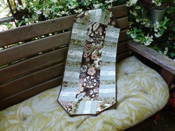 Basic brown floral table runner