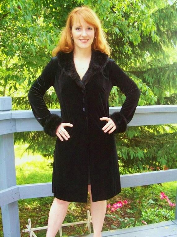 SALE 80s/90s Velvet Faux Fur Trimmed Jacket/Dress MEDIUM