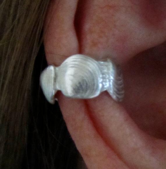 Clam Shell Ear Cuff