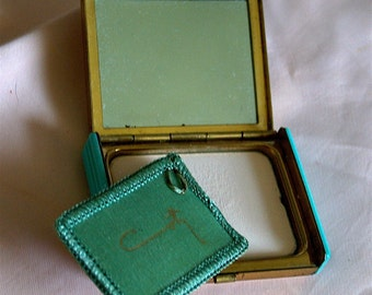 SALE 1940 Vintage Compact with powder by Coty