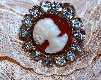 1950 Stunning Vintage Rhinestone Cameo Screw Back Earrings