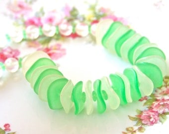 Vintage Lime Green and White Clear Frosted Glass Scalloped Bead Necklace -One of a Kind, Wedding,Statement Necklace,