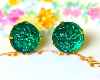 Vintage Emerald Green Textured Round Rhinestone Brass Gold Bridal Post Earrings - -Upcycled,Bridesmaids Earings