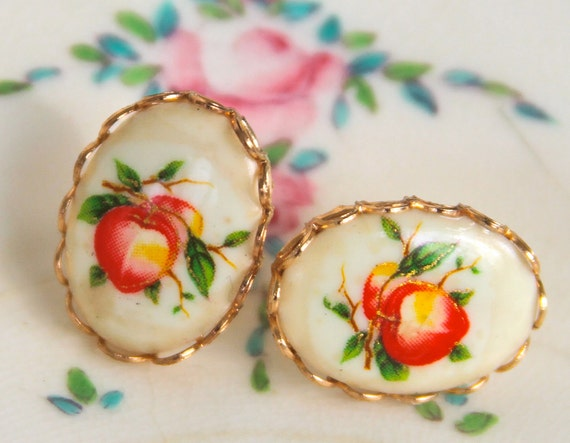 Vintage Peach Oval White Orange Red Green Fruit Gold Scalloped Brass Post Earrings - Wedding, Bridal