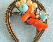 Coro Bookpiece Horseshoe coral & pearls Haskell Style