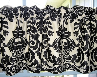 Valance Black and Cream  Waverly Indoor Outdoor /Sun and Shade  Fabric with lining
