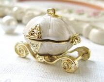 1PCS Antique gold pearl white cinderella pumpkin coach metal charms pendants (20-1-148)