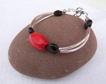 Black Obsidian and Red Agate Bracelet , Curved Tubes Bracelet, Handmade Jewelry, Red and Black Bracelet, Gemstone Bracelet