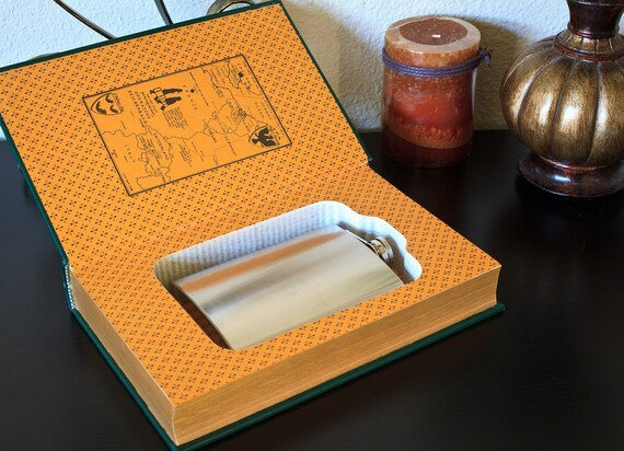 Hollow Book Safe & Flask - Sherlock Holmes