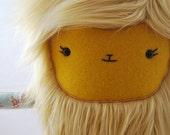 Merry Monster™ - Plush Monster Lovable Blonde - Margo