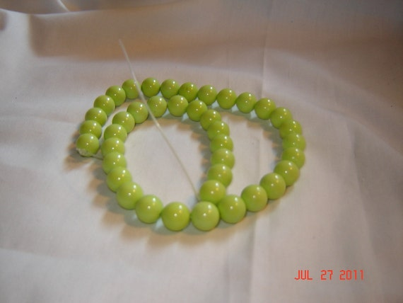 10mm round GENUINE apple green TURQUOISE gemstone beads, 16 inch strand (h80)