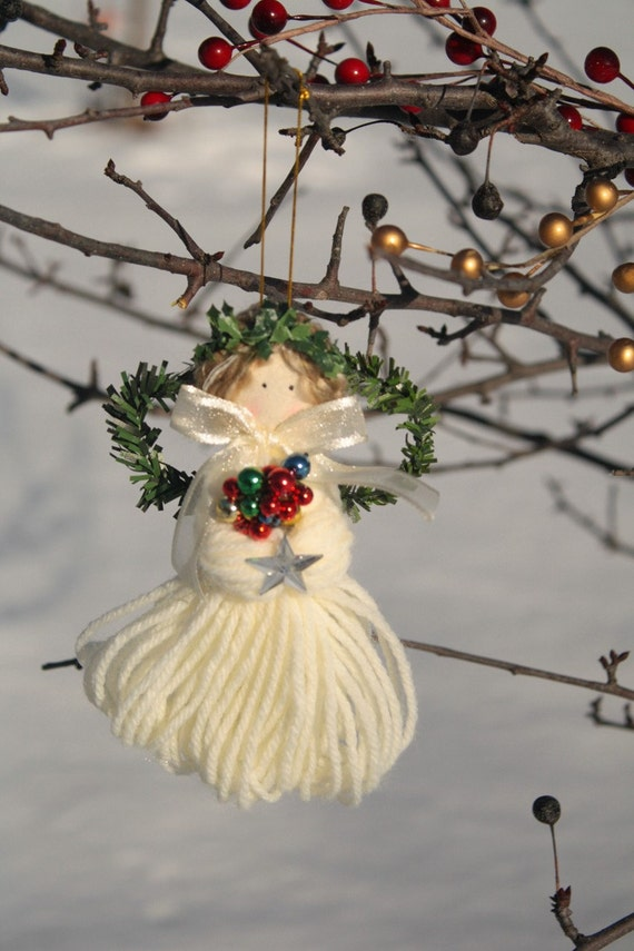 Pretty Angel with star, shiny chirstmas beads, wreath wings, ornament, made with yarn