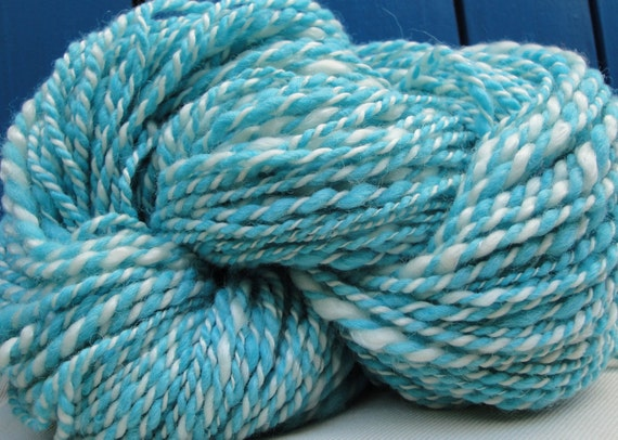Turquoise & White Hand Spun Yarn. Alpaca, Merino and Tencel Fibers. Bouncy Feel. Organic Dye. 5.4 oz, 125 yards
