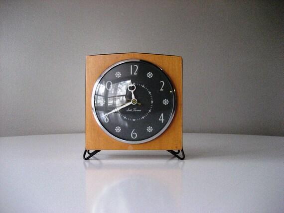 Seth Thomas Mid Century Modern Mantel Clock