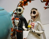 Kiss of Death Cake Toppers