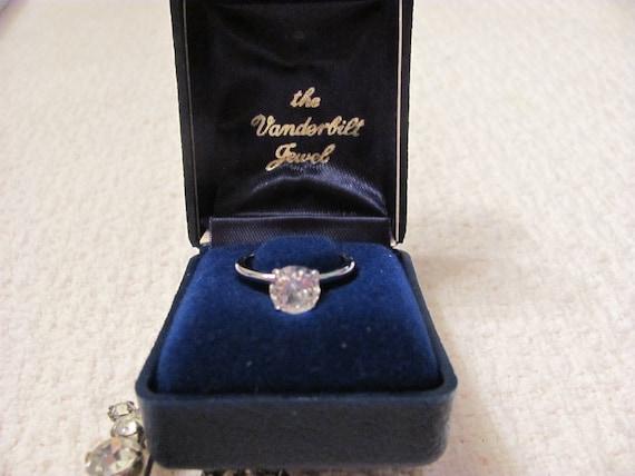 Vanderbilt Jewel Solitare Ring UNCAS Manufacturing Company Size 6