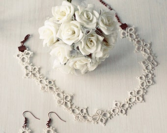 tatted jewelry set: necklace and earrings in vintage cream - wedding jewelry - the perfect gift for under 25 EUR