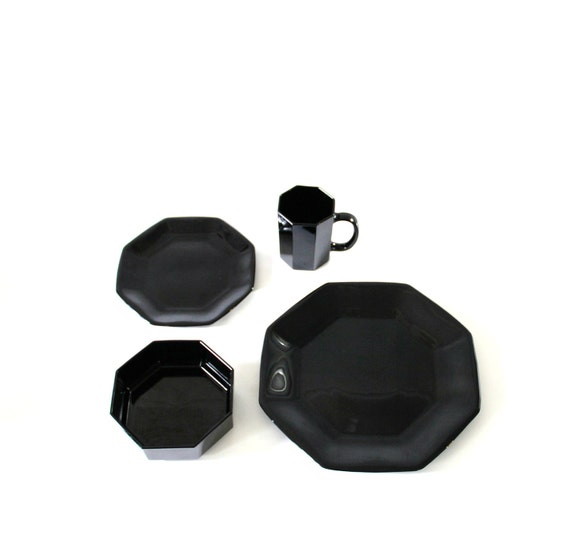 Arcoroc Black Dinnerware 35-Piece Set